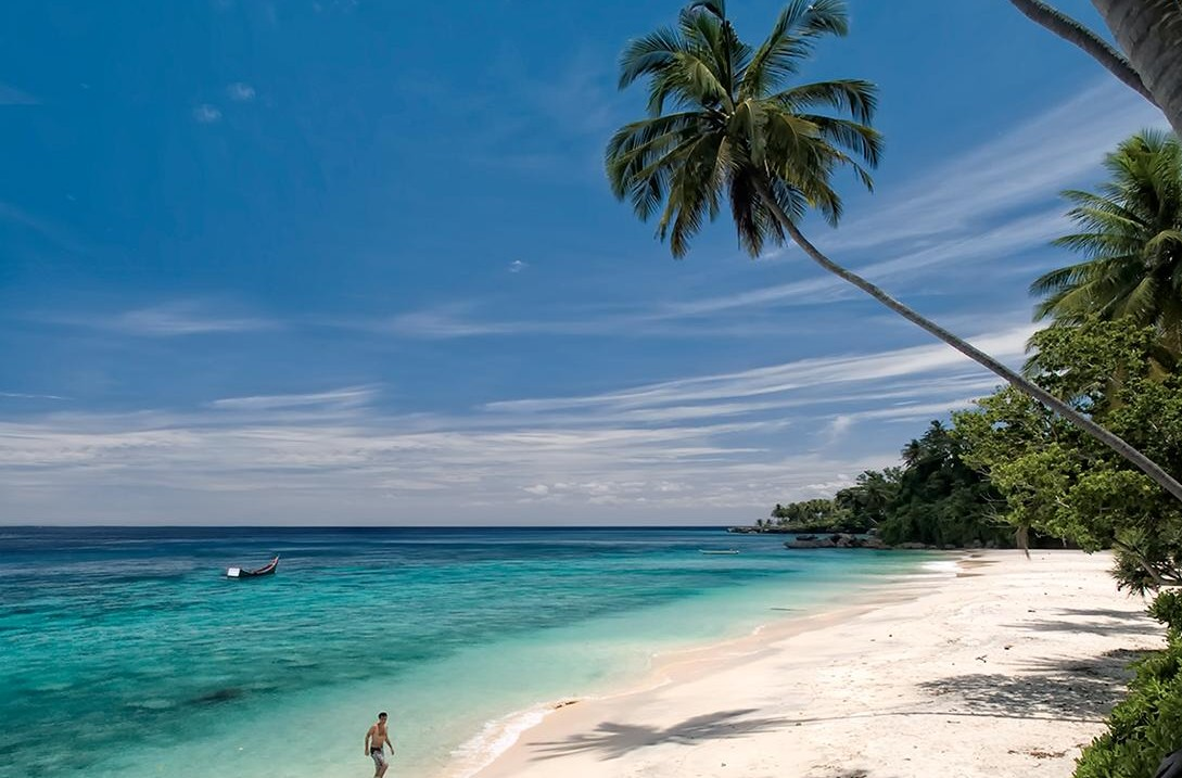 Objek Wisata Pantai Sumur Tiga Di Sabang