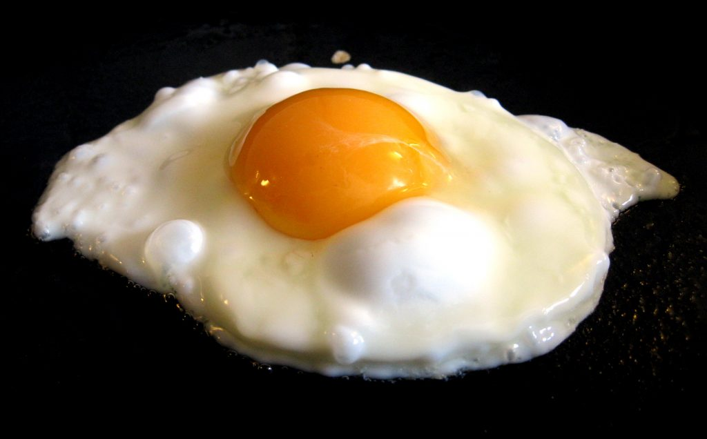 Bahaya Telur Setengah Matang