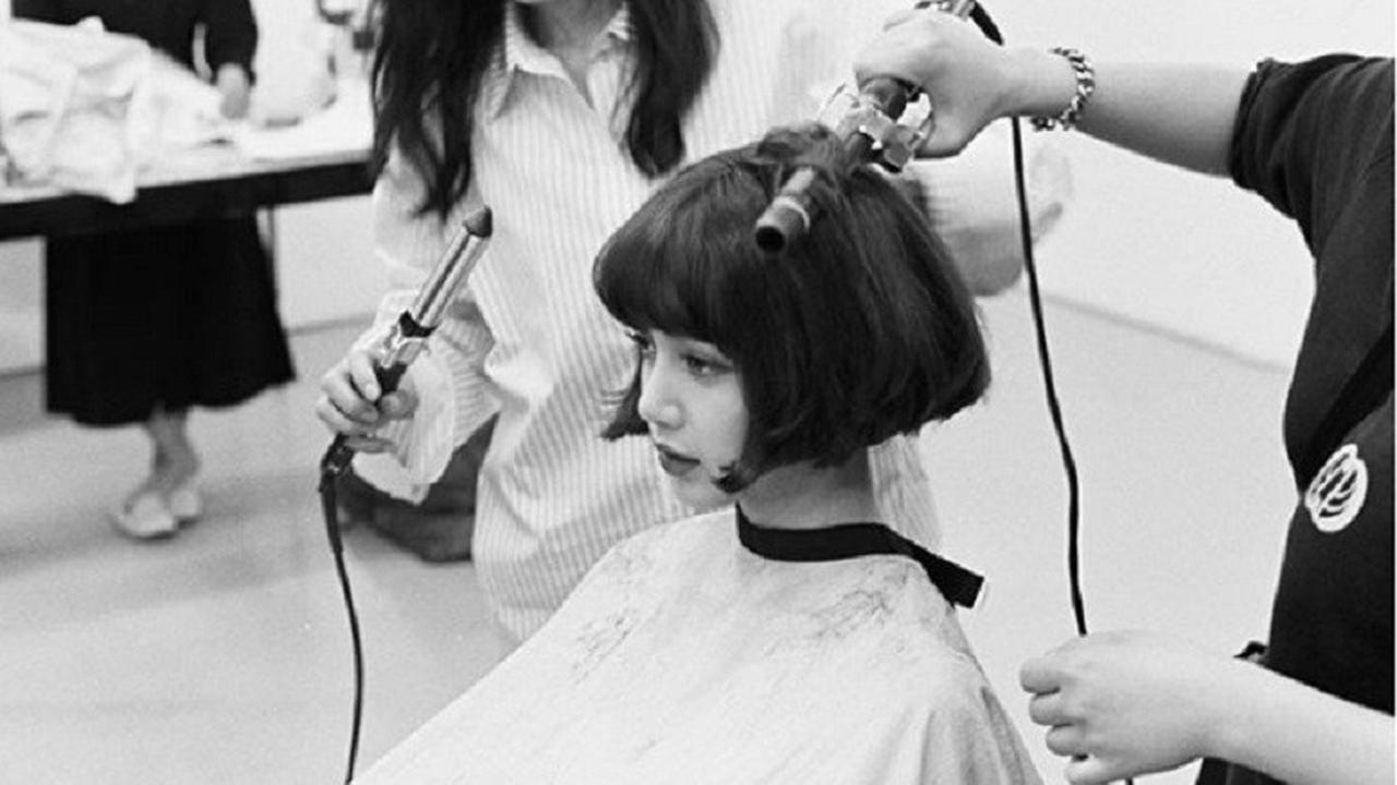 Lisa Blackpink Bikin Heboh Penggemar Dengan Rambut Barunya