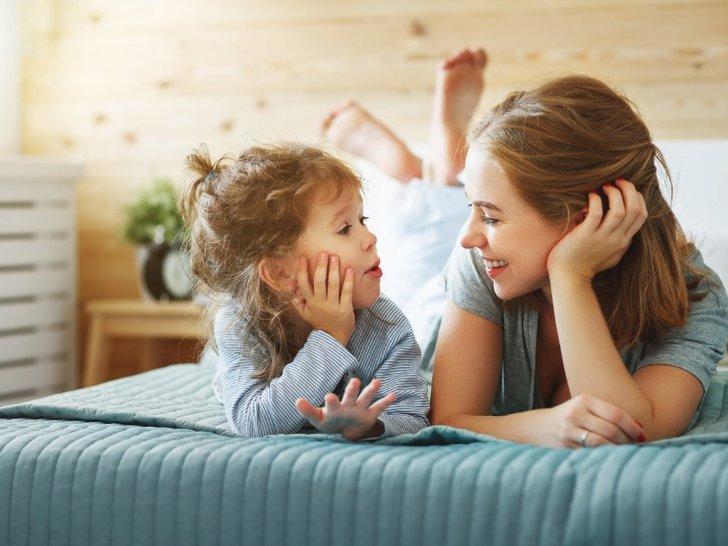 Sudah Jarang Terlihat, Ternyata 5 Artis Ini Lebih Pilih Fokus Menjadi Ibu